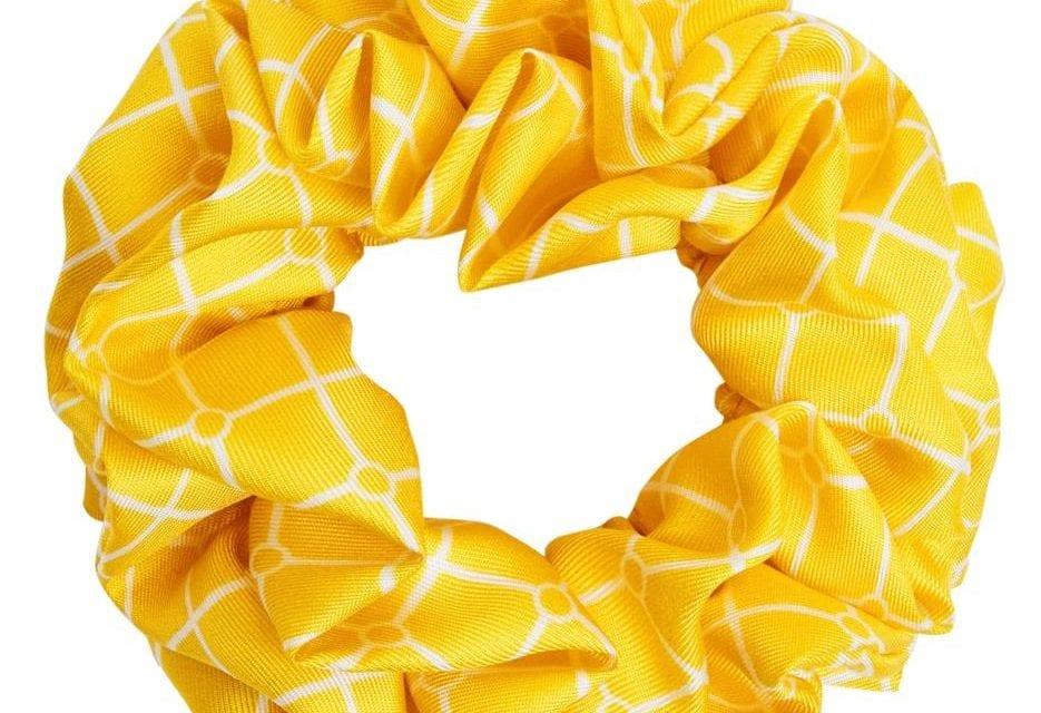 hermine hold isabella silk scrunchie gul vit